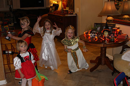 IMG_1898-crazy-trick-or-treaters