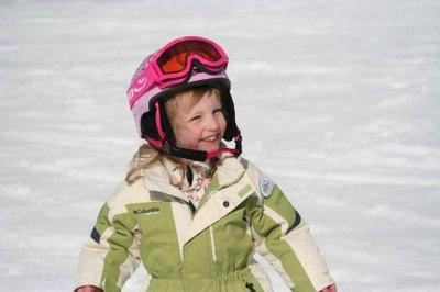 Img_4702_skiing